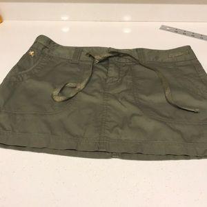 🎁 3/25 Olive green mini skirt express